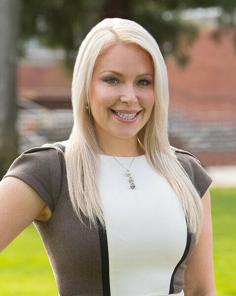 Julia Laquer, Esq., Realtor in Palo Alto, Sereno Group