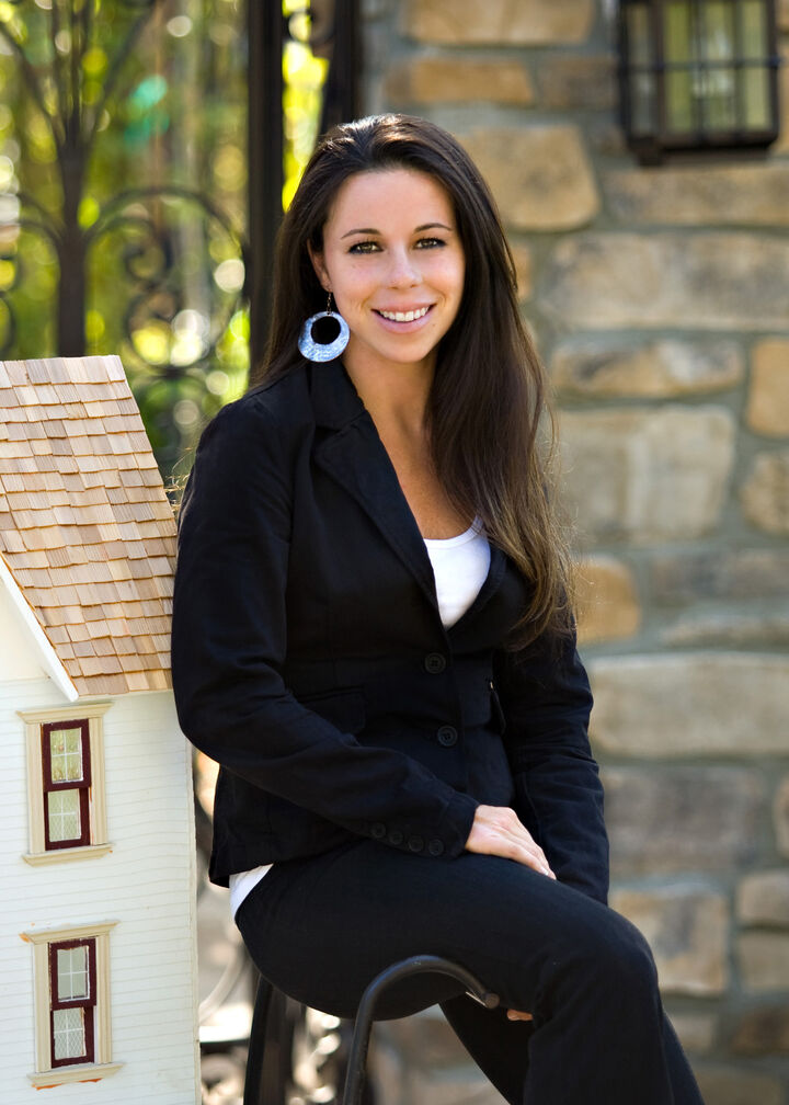Kelly Mcgugan,  in Westlake Village, Pinnacle Estate Properties