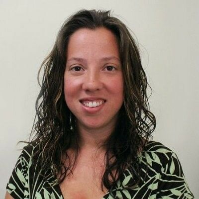 Amanda Barreto,  in Lutz, Dennis Realty & Investment Corp.