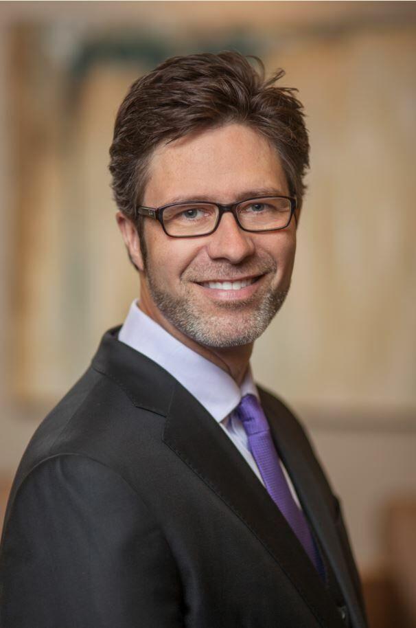 Robert Taylor,  in Bellevue, Windermere