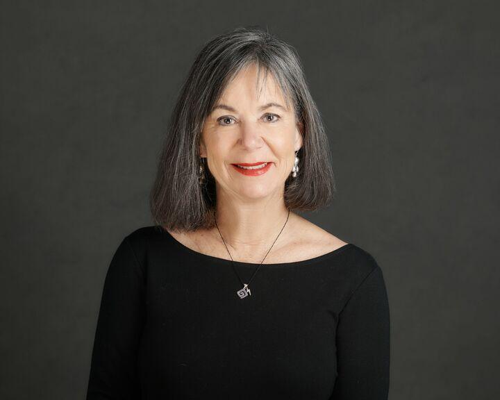 Daphne Cooluris, Broker in Portland, Windermere