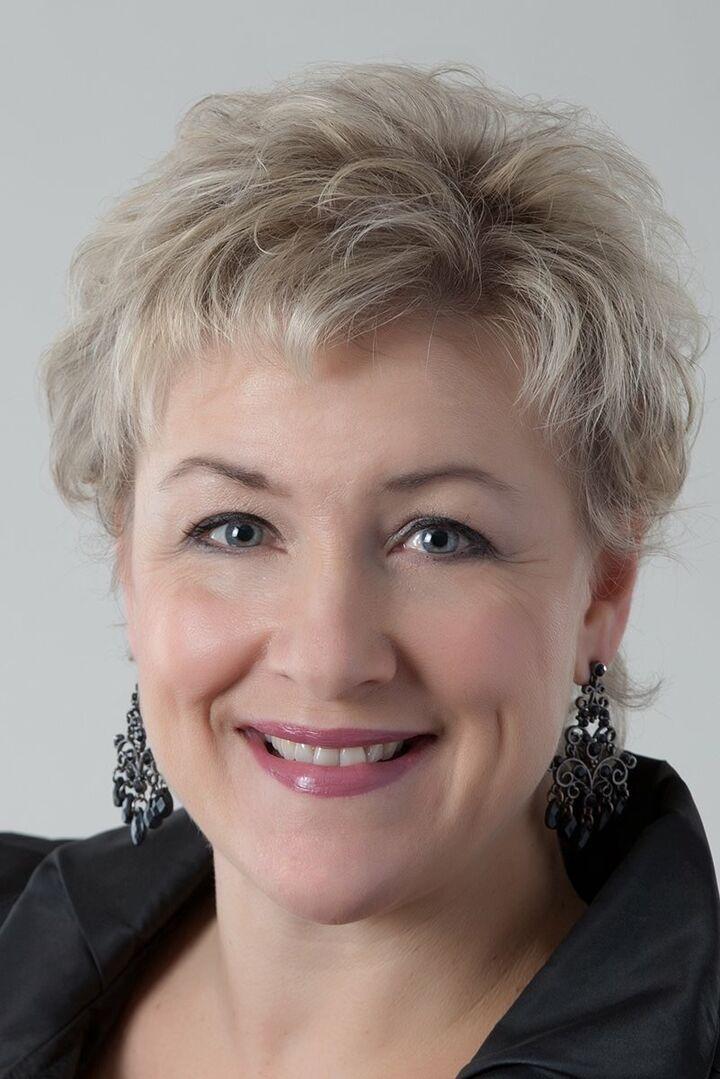 Teresa K Nelson