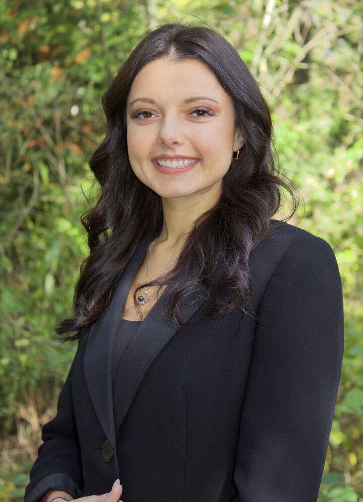 Donna Kopmar,  in Auburn, Windermere