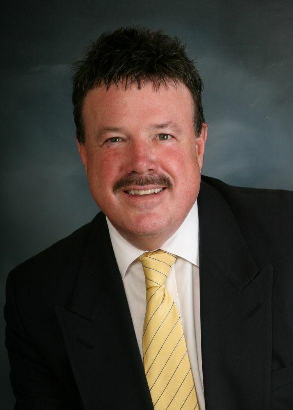 Roy Dean Hovey, Realtor Broker in Lake Oswego, Windermere