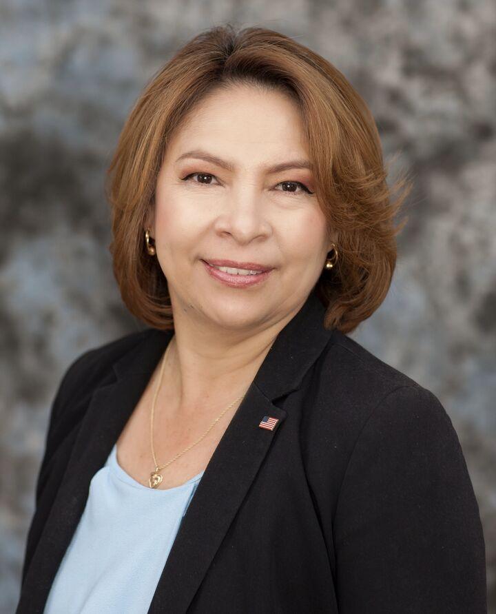Araceli Reyes, REALTOR Associate in Riverside, Windermere